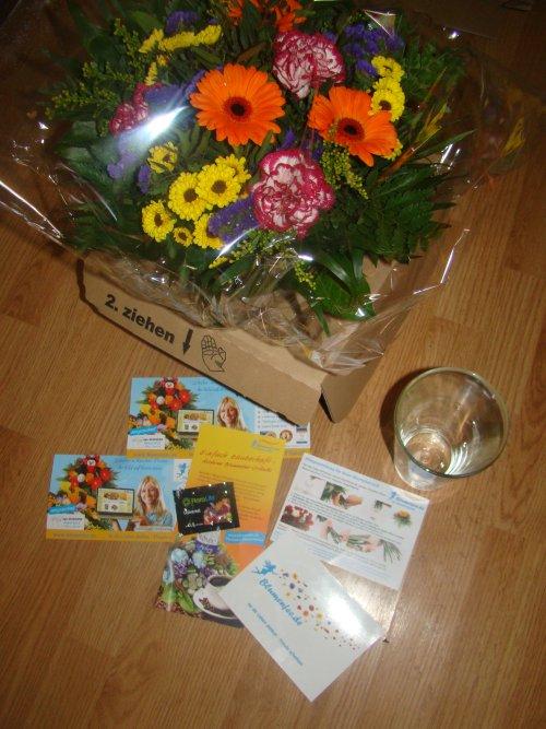 Blumenfee mit Vase